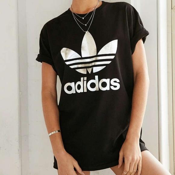 61489fab2cf65 EUC Adidas Originals Silver Logo Trefoil Tee